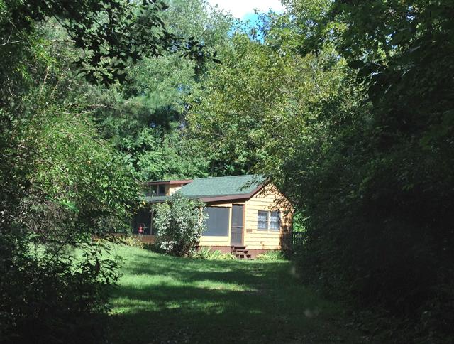 lomax-cabin