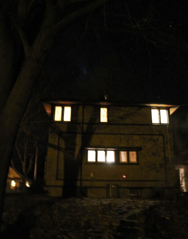 011513-house-at-night