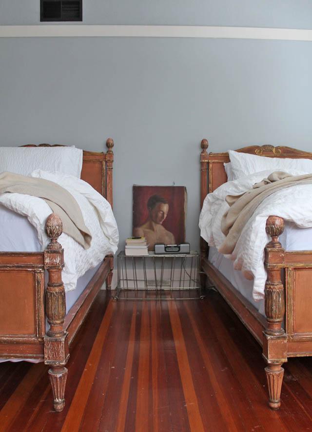022014-master-bedroom05