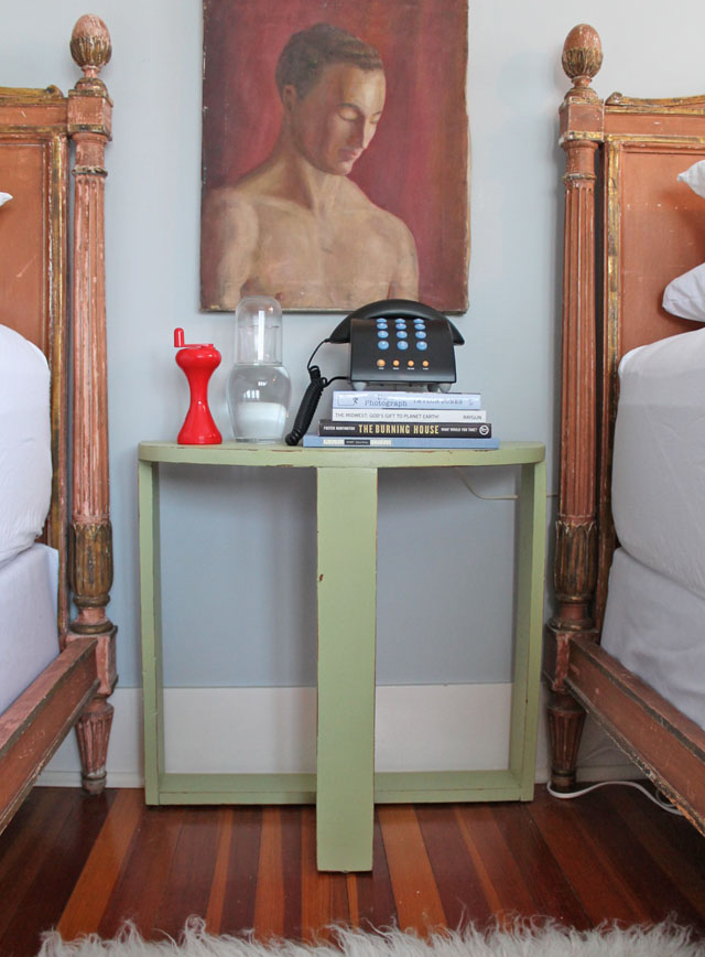 030514-bedside-table