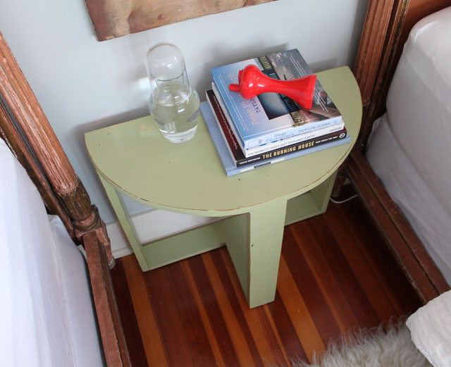 030514-bedside-table3
